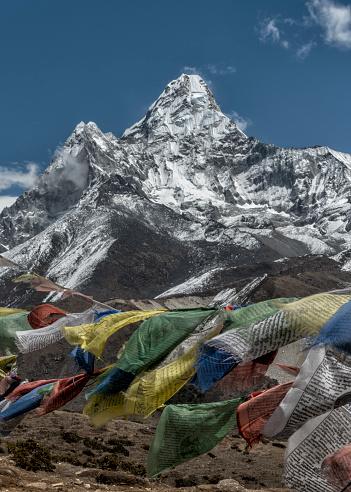 Khumbu「Nepal, Himalaya, Khumbu, Pangboche, Ama Dablam and prayer flags」:スマホ壁紙(8)