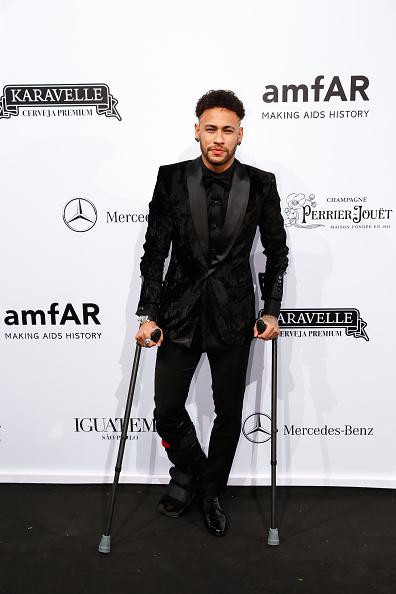 Neymar da Silva「2018 amfAR Gala Sao Paulo - Arrivals」:写真・画像(15)[壁紙.com]