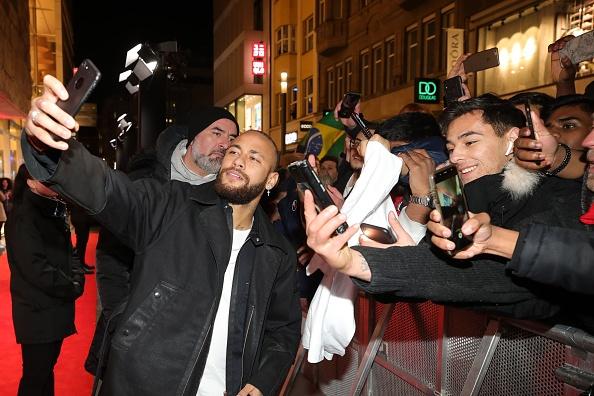 Neymar da Silva「Capsule Collection Neymar Jr. X Replay At Weltstadthaus Duesseldorf」:写真・画像(11)[壁紙.com]