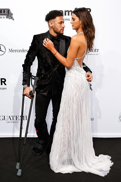 ネイマール「2018 amfAR Gala Sao Paulo - Arrivals」:写真・画像(17)[壁紙.com]