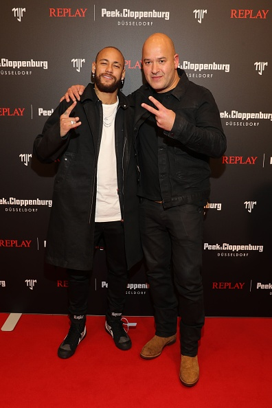 Neymar da Silva「Capsule Collection Neymar Jr. X Replay At Weltstadthaus Duesseldorf」:写真・画像(6)[壁紙.com]
