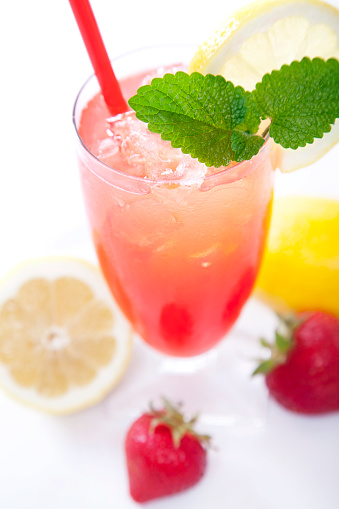 Fruit Garnish「Strawberry Lemonade Top View」:スマホ壁紙(12)