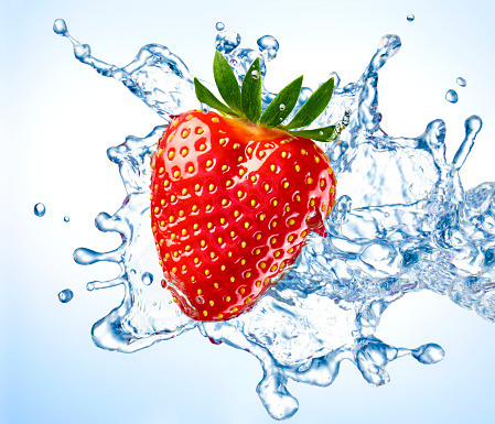 Blue Background「Strawberry and water splash」:スマホ壁紙(14)
