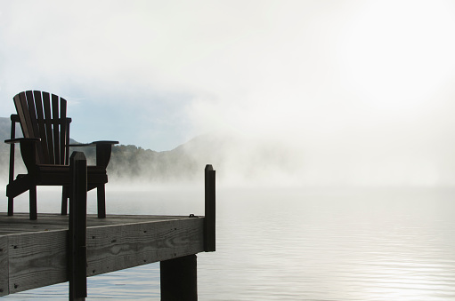 Lake Placid「USA, New York, St Armand, Empty chair on jetty by Lake Placid at dawn」:スマホ壁紙(3)