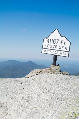Adirondack Mountains「USA, New York State, Wilmington, Sign on Whiteface Mountain summit」:スマホ壁紙(7)