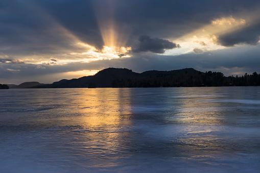 Adirondack Mountains「USA, New York State, Brant Lake in Adirondack region at sunset」:スマホ壁紙(16)