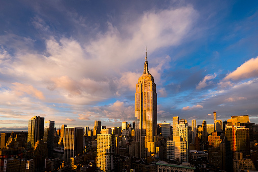 Empire State Building「USA, New York State, New York City, Cityscape with Empire State Building at sunset」:スマホ壁紙(17)