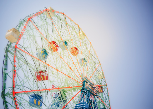 Coney Island - Brooklyn「USA, New York State, New York City, Brooklyn, Coney Island, Ferris wheel in amusement park」:スマホ壁紙(9)