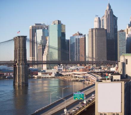 Waterfront「USA, New York State, New York City, Brooklyn Bridge with skyscrapers」:スマホ壁紙(18)