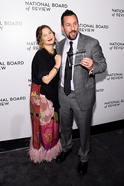 Looking Over「The National Board Of Review Annual Awards Gala - Inside」:写真・画像(15)[壁紙.com]
