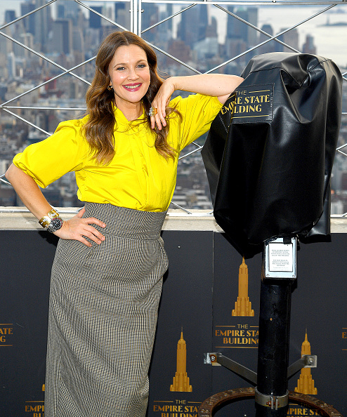 Looking At Camera「Empire State Building Celebrates Launch of The Drew Barrymore Show」:写真・画像(8)[壁紙.com]