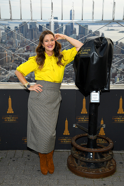 Gray Color「Empire State Building Celebrates Launch of The Drew Barrymore Show」:写真・画像(4)[壁紙.com]