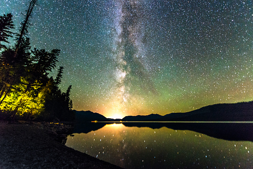 Milky Way「Milky Way Galaxy Stars in Sky Over Scenic Lake Montana」:スマホ壁紙(13)