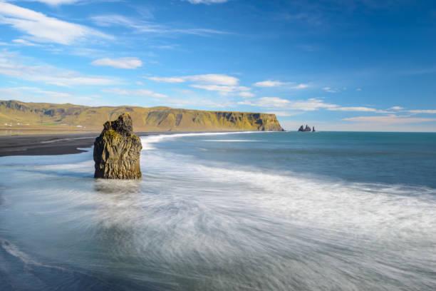 Reynisfjara Beach, Iceland:スマホ壁紙(壁紙.com)