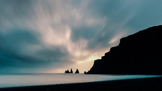 Basalt「Reynisfjara black sand beach in Southern Iceland」:スマホ壁紙(10)