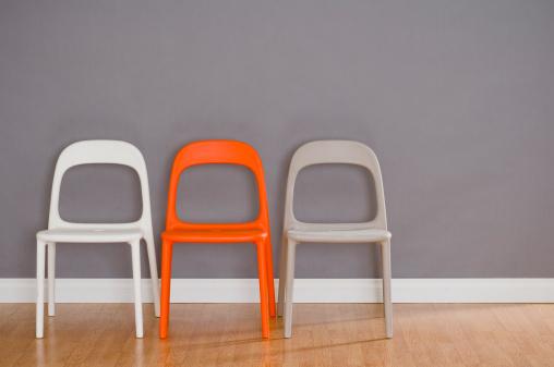 Three Objects「Three Modern Plastic Chairs」:スマホ壁紙(8)