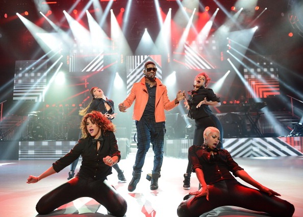 Samir Hussein「Usher Performs For The 'American Express Unstaged' Series」:写真・画像(13)[壁紙.com]