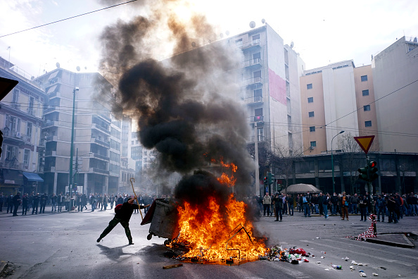 Finance and Economy「Farmers Stage Tractor Protest in Central Athens.」:写真・画像(14)[壁紙.com]