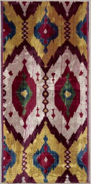 Ikat「Length Of Silk Velvet Ikat」:写真・画像(1)[壁紙.com]