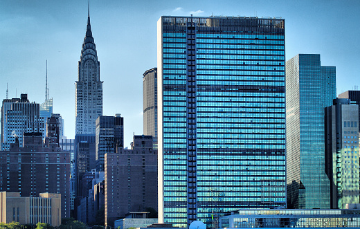 Polarizer「NY Skyline with United Nations」:スマホ壁紙(9)