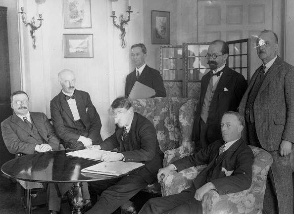 Irish Culture「Signing The Anglo-Irish Treaty」:写真・画像(9)[壁紙.com]