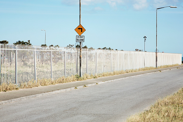 Security System「Security fence and Slow sign, Ringsend, Dublin, 2008」:写真・画像(17)[壁紙.com]