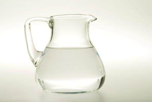 Jar「Glass carafe with water」:スマホ壁紙(3)