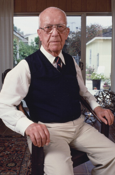 One Senior Man Only「Buckminster Fuller」:写真・画像(19)[壁紙.com]