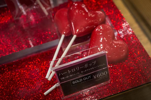 Lollipop「Japan Prepares For Valentines Day」:写真・画像(8)[壁紙.com]