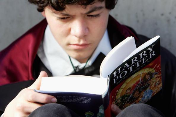 Book「Publication Of The Final Installment Of Harry Potter Series」:写真・画像(16)[壁紙.com]