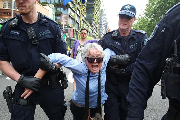 Sydney「Australians Protest Climate Change As Part Of Global Rebellion」:写真・画像(16)[壁紙.com]