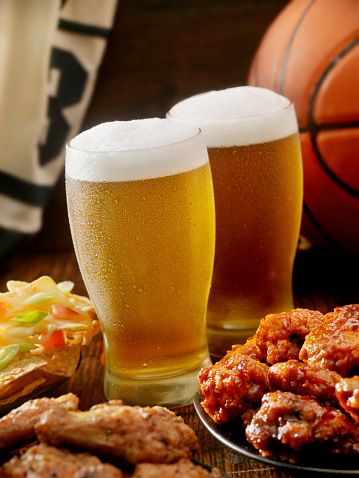 Chicken Wing「Beer, Basketball and Wings」:スマホ壁紙(1)