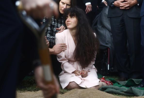 Mario Tama「Funeral Service And Vigil Held For Lori Gilbert Kaye, Killed In Shooting At Poway Synagogue」:写真・画像(9)[壁紙.com]