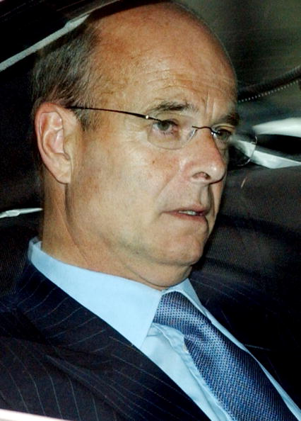 Bruno Vincent「John Scalet  Gives Evidence In The Hutton Inquiry」:写真・画像(2)[壁紙.com]