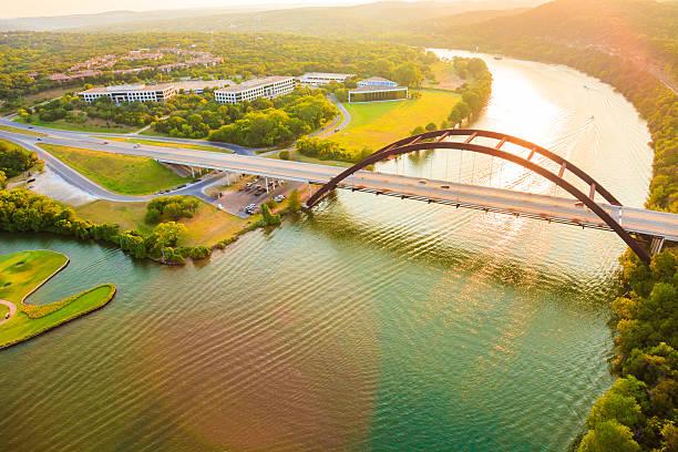 Pennybacker 360 bridge, Colorado River, Austin Texas, aerial panorama:スマホ壁紙(壁紙.com)