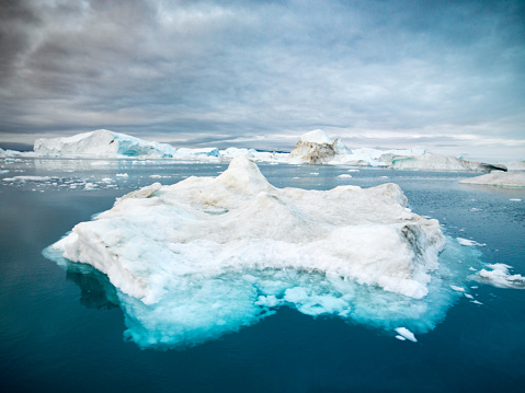 北極「ディスコ湾北極の氷山のグリーンランドのイルリサット」:スマホ壁紙(12)