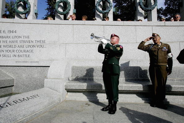 Daniel Gi「Nation's Capitol Observes Veterans Day」:写真・画像(5)[壁紙.com]
