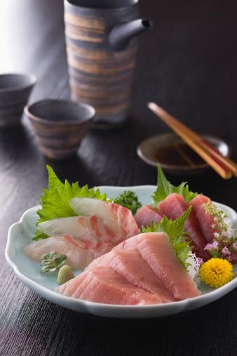 Sake「Three Assorted Sashimi, Medium Fatty Tuna, Lean Tuna and Sea Bream」:スマホ壁紙(4)