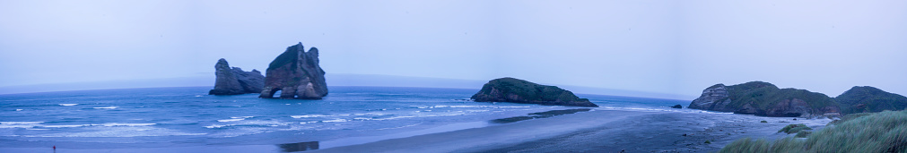 Archway Island「Wharariki Beach in Puponga, Tasman District, Nelson, South Island, New Zealand」:スマホ壁紙(9)