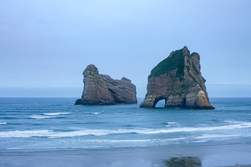 Archway Island「Wharariki Beach in Puponga, Tasman District, Nelson, South Island, New Zealand」:スマホ壁紙(8)