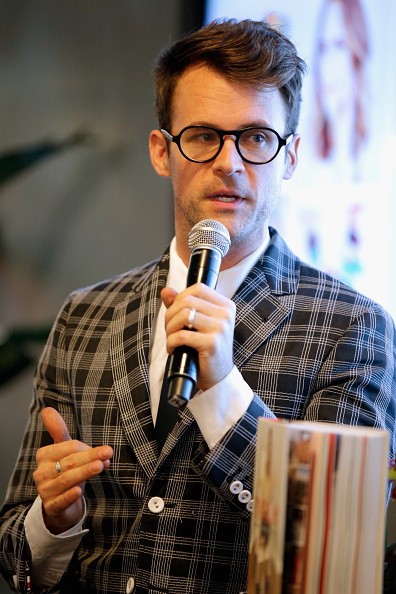 Joe Scarnici「Vanity Fair Campaign Hollywood Social Club - Preview Of Louise Roe's New Book, Front Roe, Moderated By Brad Goreski Panel Discussion」:写真・画像(18)[壁紙.com]