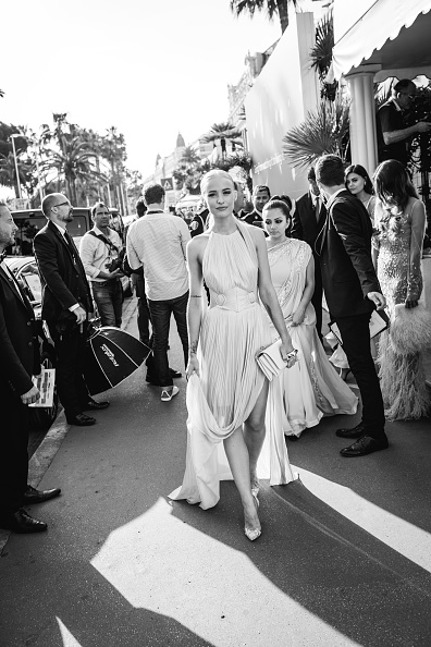 Clutch Bag「L'Oreal At The 70th Cannes Film Festival - #Canniversary」:写真・画像(4)[壁紙.com]