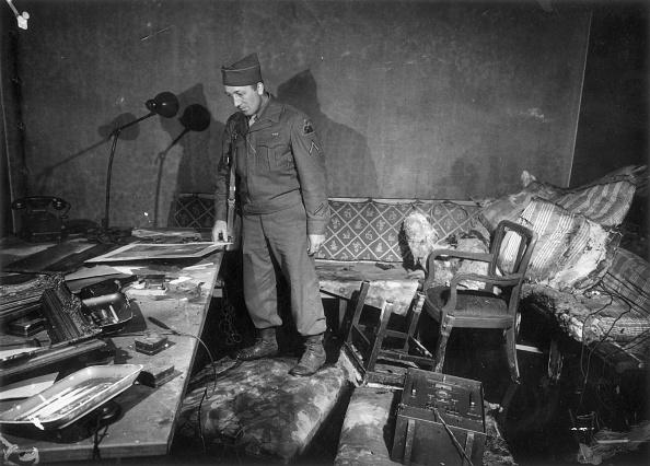 Suicide「Hitler's Office」:写真・画像(3)[壁紙.com]