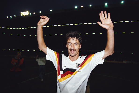 Wales「Ian Rush 1992 UEFA Championships Qualifier Wales 1-0 West Germany」:写真・画像(10)[壁紙.com]