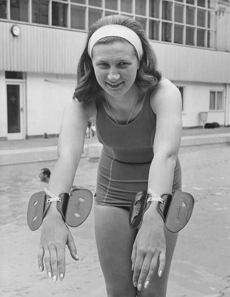 女性一人「Anita Lonsbrough」:写真・画像(18)[壁紙.com]