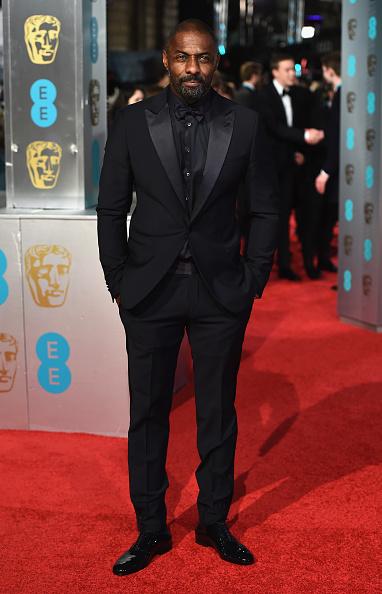 Black Shirt「EE British Academy Film Awards - Red Carpet Arrivals」:写真・画像(2)[壁紙.com]