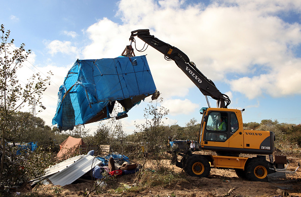 Calais「French Police Prepare To Close Down Illegal Immigrant Camps」:写真・画像(12)[壁紙.com]