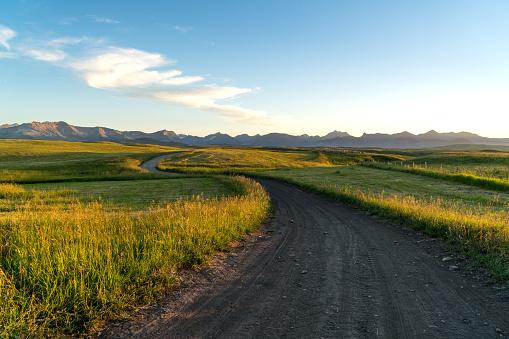 雲「View of rural road, mountain ranch」:スマホ壁紙(12)