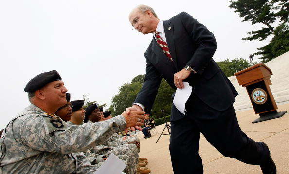 Richard Jefferson「Army Chiefs Swear In Recruits At Jefferson Memorial」:写真・画像(12)[壁紙.com]