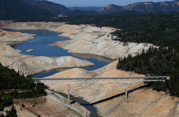 Sequential Series「Statewide Drought Takes Toll On California's Lake Oroville Water Level」:写真・画像(11)[壁紙.com]